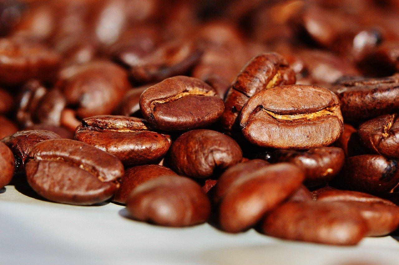 Een koffiemachine huren is ideaal voor feestjes
